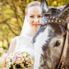 Wedding photographer Varvara Lomancova (VarvaraL). Photo of 03.02.2014