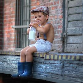 Breakfast... by Piotr Owczarzak - Babies & Children Children Candids ( milk, drink, cute, young, boy,  )