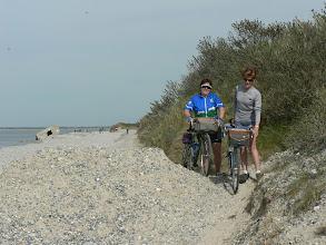 """Photo: Sur la """"route blanche"""" entre le Hourdel et Cayeux sur mer"""