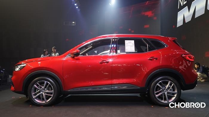 ระยะความสูงจากพื้นของ New MG HS ไม่สูงมากนักทำหรับในรถประเภท SUV