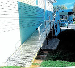 Photo: A ramp that runs parallel to a house only needs rails on one side.