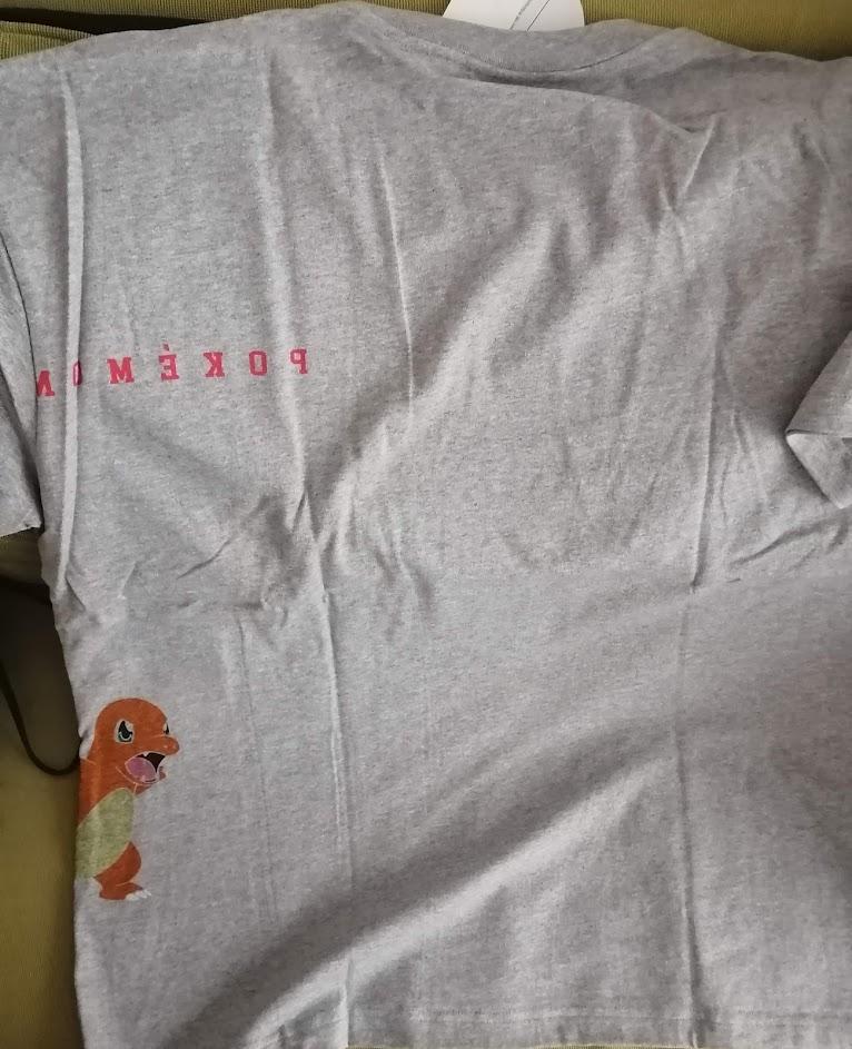 リザードンTシャツ背面