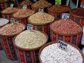 Photo: Izmir bazar: dry beans