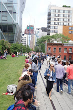 Photo: You can still see the railway lines when walking the Highline