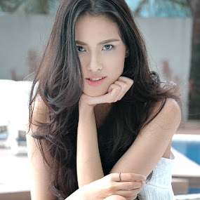Erika's beauty by Russell Baguasan - People Fashion