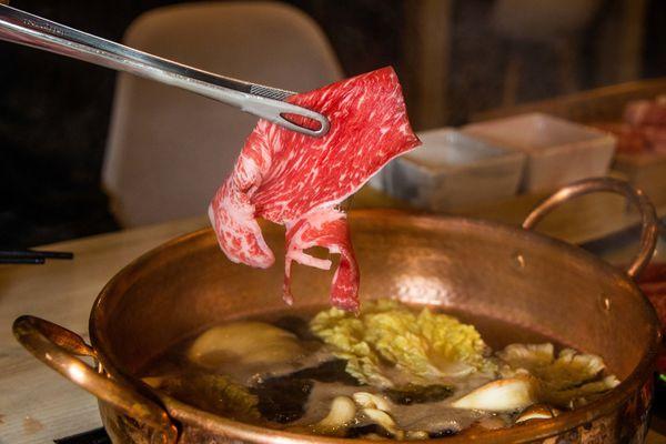 美味銅鍋傳導鮮食饗宴 錦悅町涮涮鍋