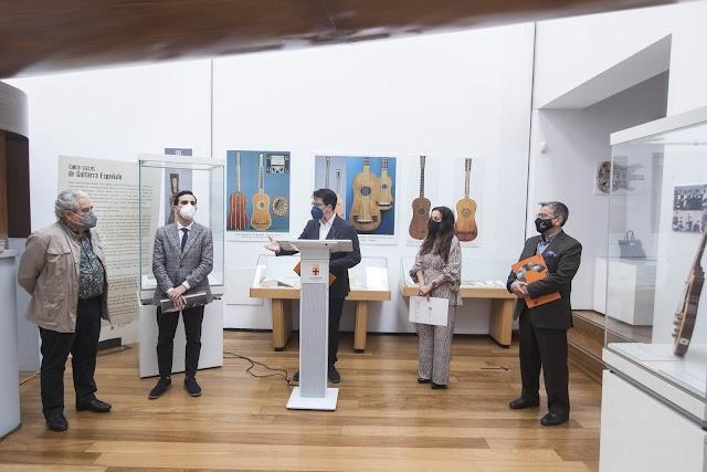 Presentación de la publicación, esta mañana en el Museo de la Guitarra.