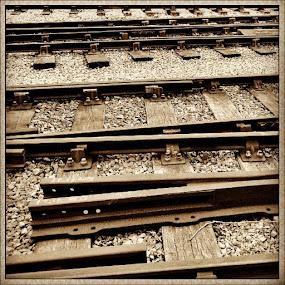 Rails set of 4 #UK #Instacanvas #track #sarahlaurel #railway #Haworth #metal #tagstagram #rails by Sarah Laurel - Instagram & Mobile Instagram