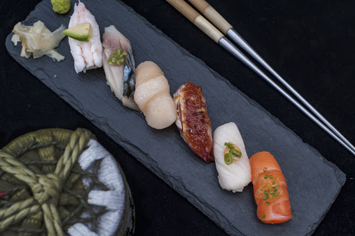 Chef's Special Nigiri Selection - 6 pieces