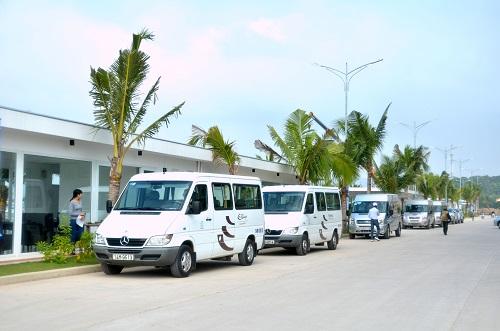 bhaya shuttle bus resized.jpg