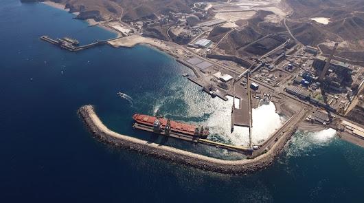 Autorizan a Carboneras para manipular 100.000 toneladas de mineral de hierro