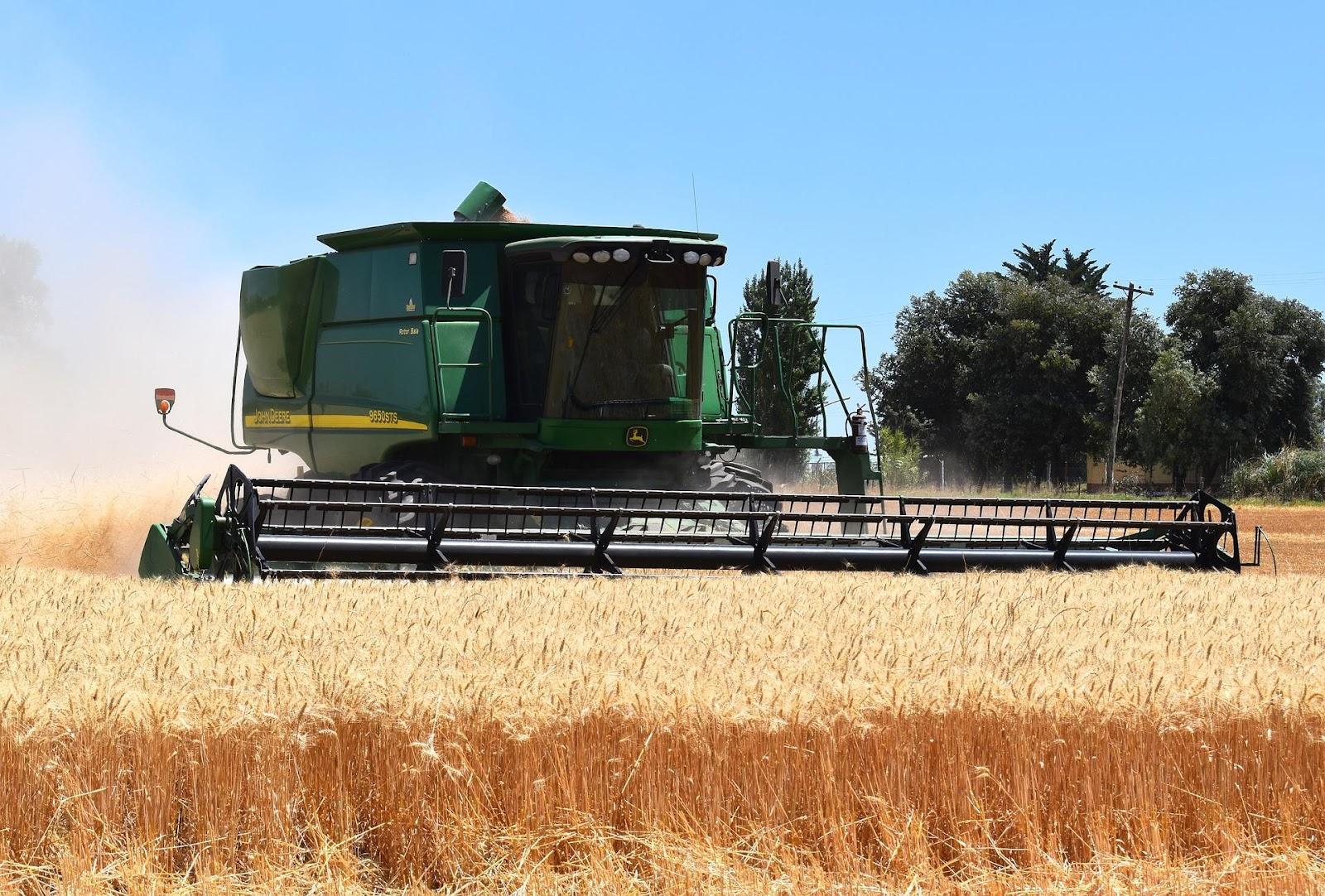 Planificación del trabajo en el campo para llegar a cosecha a tiempo.