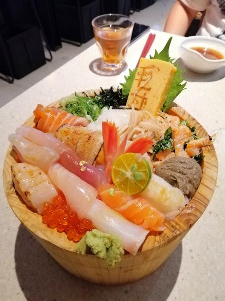 還是喜歡經典毛丼 米飯Q彈份量夠 新鮮海味一次滿足