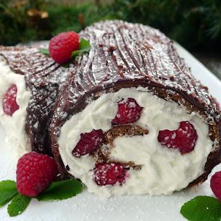 Raspberry Yule Log Bûche de Noël