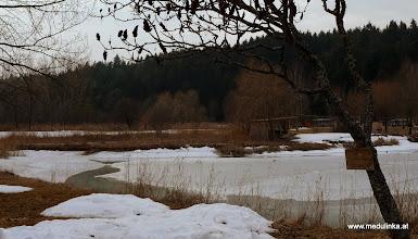Photo: auch am badesee frisst sich die sonne durch schnee und eis