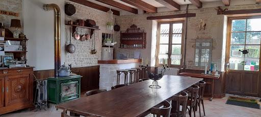 Bar corner and big farm table