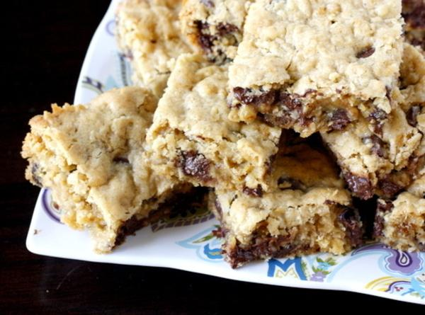 Oatmeal  Chocolate Chip Blondies Recipe