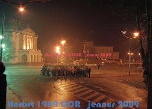 Photo: G nach der Demo und der Gegenkundgebung im Oktober 1989 - Gegner im friedlichen Dialog  27 Spitzel überwachten den Schweriner Theaterintendanten.