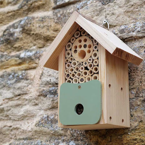 Bihotell Bee Barn