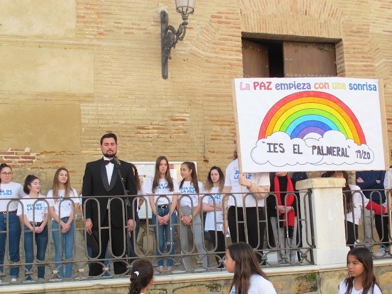 El tenor veratense Enrique Parra ha interpretado el himno de la alegría y el \\\\\\\'No dudaría\\\\\\\' de Antonio Flores.