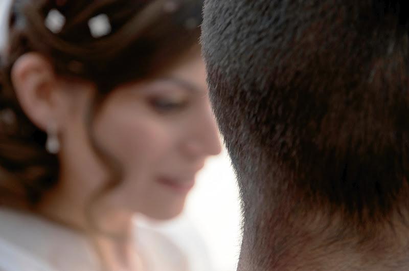 Il bokeh della sposa è venuto bene...ma chi è che ha spostato lo sposo? di Yasis