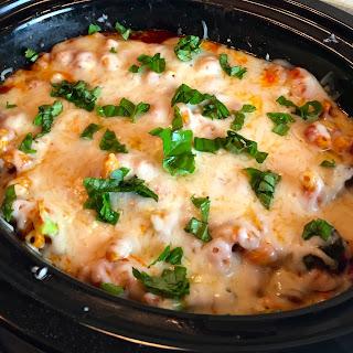 Slow Cooker Chicken & Broccoli Pasta.