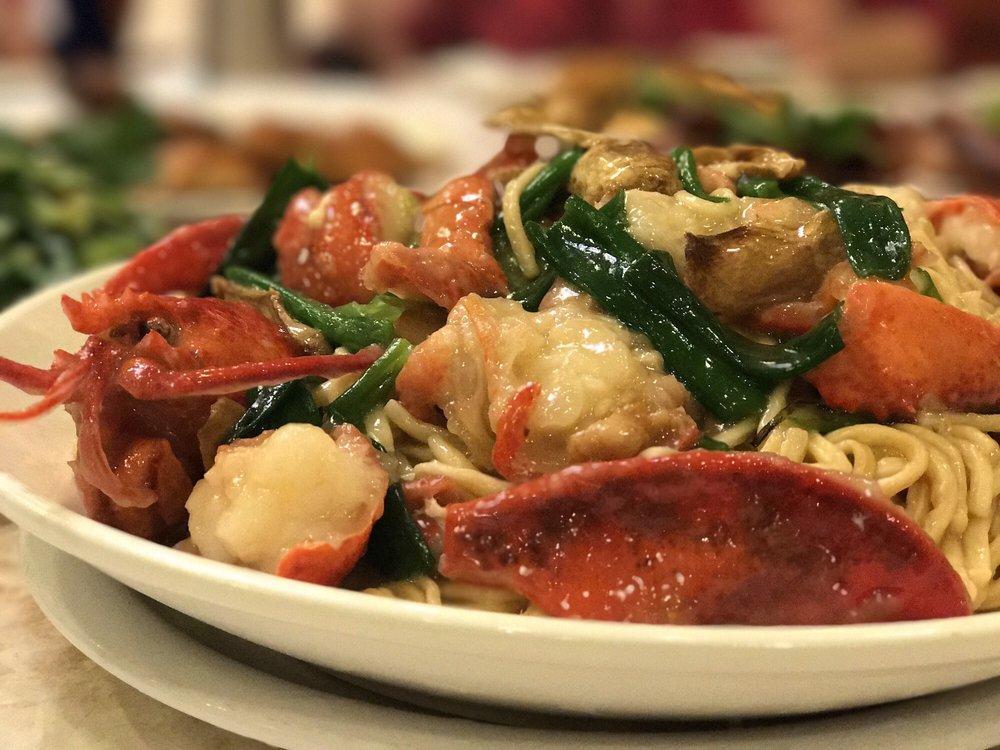 Photo of Chefs Wok - Alameda, CA, United States. Lobster Yee mein