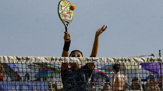 Los VI Juegos Deportivos Municipales de tenis playa, el 15 y 16 de agosto