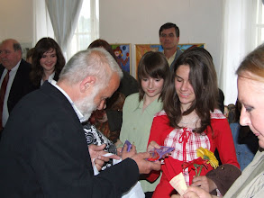 Photo: Vetró András tanítványaival