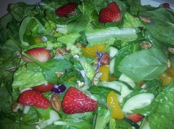 Strawberry Spinach Chicken Salad Recipe