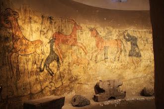 Photo: ... les fresques dans le choeur de l'ancienne église St Pierre ...