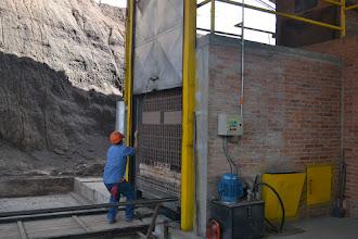 Photo: Cerrando el horno túnel