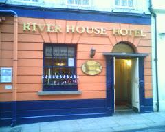 Visiter River House Hotel
