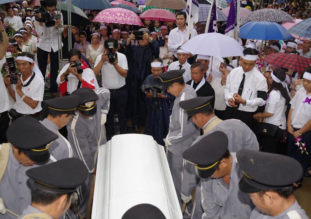 Thánh lễ an táng Cha Giuse Trần Ngọc Tâm - Chánh xứ Xuân Đức - Ảnh minh hoạ 57