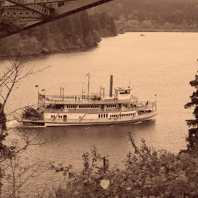 by Darrin McNett - Transportation Boats ( columbia river, paddle boat,  )