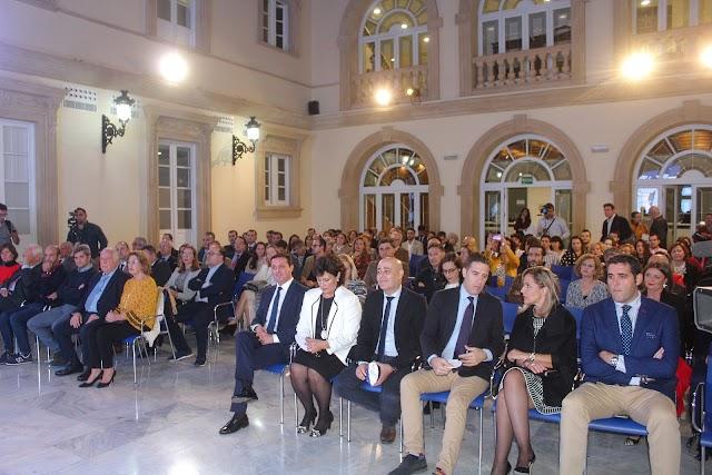 Amplia representación institucional, social y empresarial en la gala que acogió el patio de luces de la Diputación.