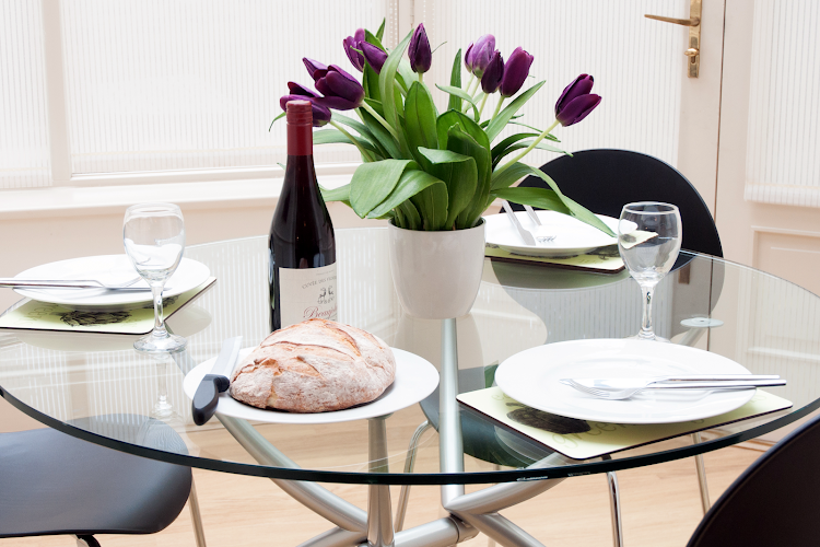 Dining space at Clarendon House & Gardens Apartments