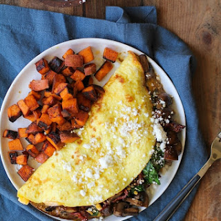 Spinach, Mushroom, and Sun-Dried Tomato Omega-3 Omelet.
