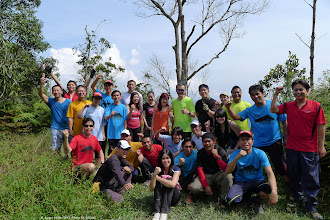 Photo: A group photo before we descend the mountain