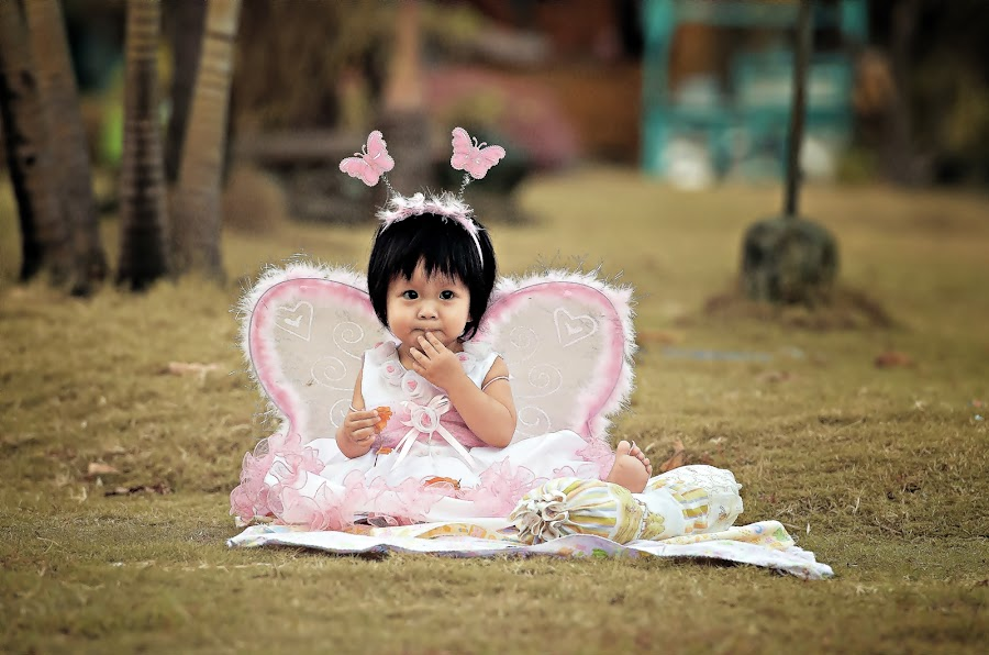 Kezia`s Afternoon... by Gozs- Spectre - Babies & Children Child Portraits