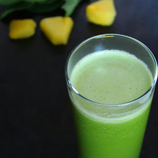 Pineapple Spinach & Mint Smoothie.