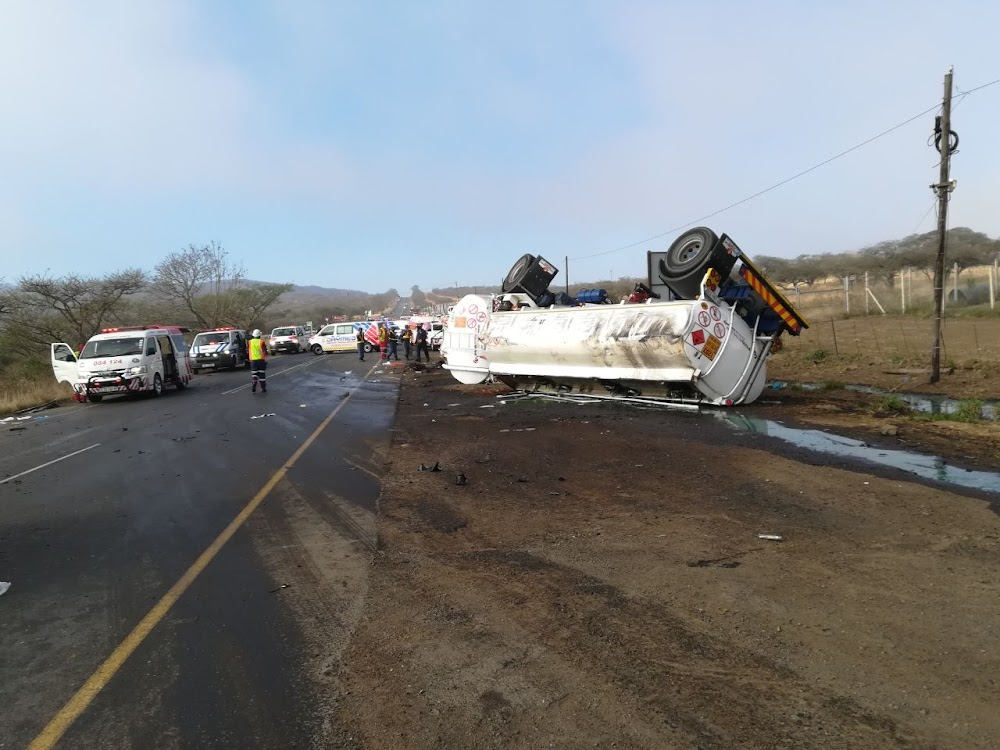 13 dead in horrific KZN collision between taxi and petrol tanker - TimesLIVE