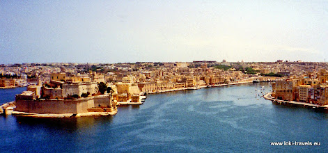Photo: 1996-07-07. Valletta. Uitzicht op Vittoriosa en Senglea | Views of Vittoriosa and Senglea.  www.loki-travels.eu
