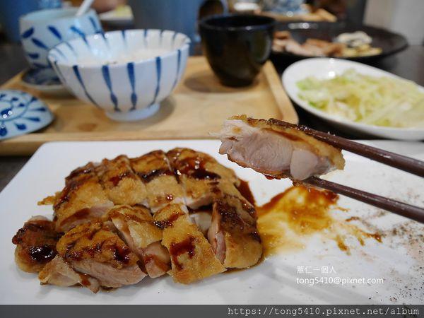 米半鐵板料理。秀泰影城旁單點或套餐制套餐含沙拉.白飯.茶碗蒸.雞湯.時蔬.甜點.飲品