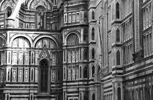 Firenze non cambiare che dopo non ci piaci, rimani piccolina,noi ti si porta i baci.  di letiziacaprettiphotography