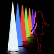 Photo: Aircone - 5m oder 8m + innen mit LED-RGB-Spot (25€-Tag)
