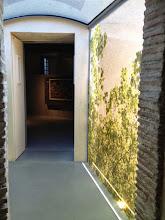 Photo: La passerelle, entre rochelle et atelier