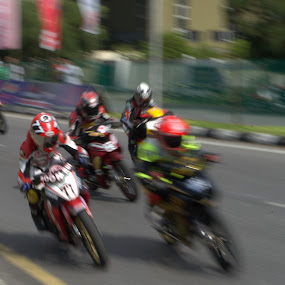 Motorbike Racing by Adam Ling - Sports & Fitness Motorsports ( motorbike, racing, sport, helmet, sibu )