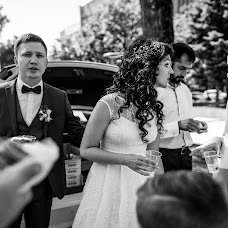 Wedding photographer Sveta Zhukova (LanaZhukova18). Photo of 19.07.2017