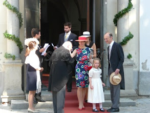 Photo: from left Hereditary Prince Heinrich and Hereditary Princess Priscilla and Prince Peter zu Sayn-Witrtgenstein-Sayn, unknowbn man, Countess Damiana and Count Paul of Schönborn-Wiesentheid